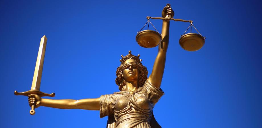 Adwokat, czy radca prawny