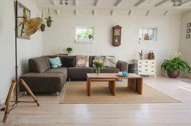 Ciepło i przytulnie w salonie – jak osiągnąć najlepszy efekt