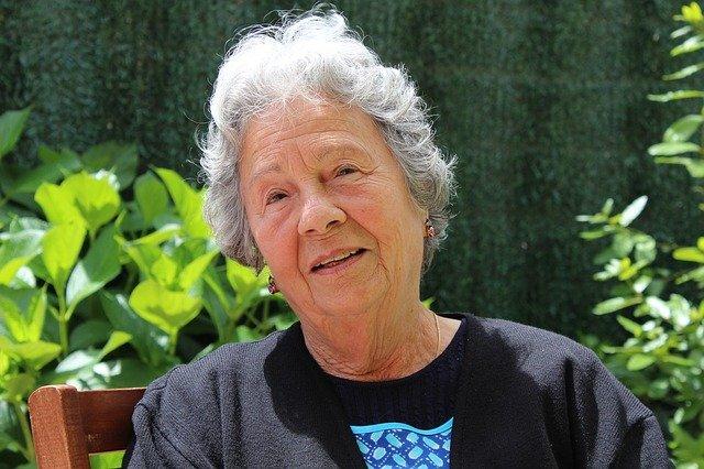 Jak wybrać wannę dla osób starszych i niepełnosprawnych?